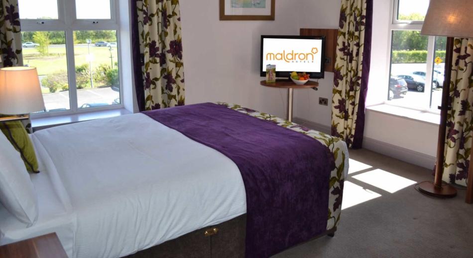 Superb hotel in galway maldron hotel oranmore galway - Maldron hotel tallaght swimming pool ...
